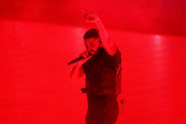 Le rappeur Drake lors de son concert à... (PHOTO MARK BLINCH, ARCHIVES LA PRESSE CANADIENNE)