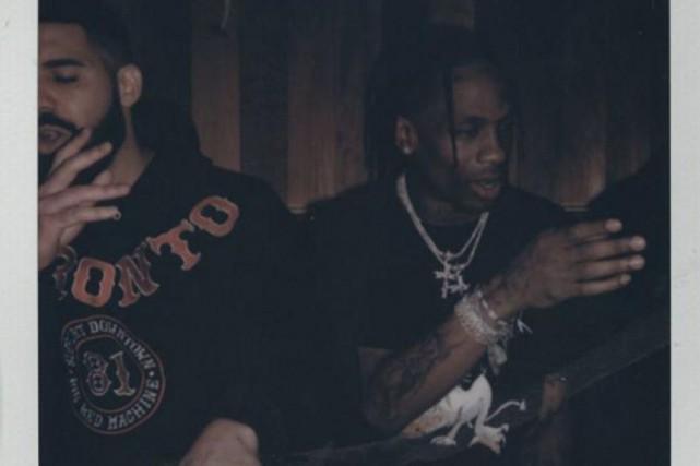 Drake (à gauche) porte un chandail aux couleurs... (Photo tirée du compte Instagram de Travis Scott)