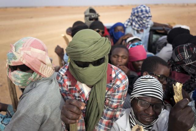 """Résultat de recherche d'images pour """"migrants secourus par lonu au niger"""""""