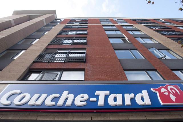 Les revenus totaux de Couche-Tard ont grimpé à... (Photo Graham Hugues, La Presse canadienne)