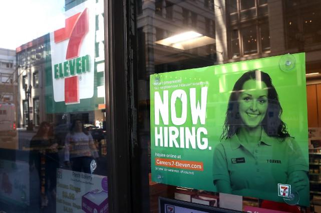 Dans un marché de l'emploi très étroit aux... (AFP)