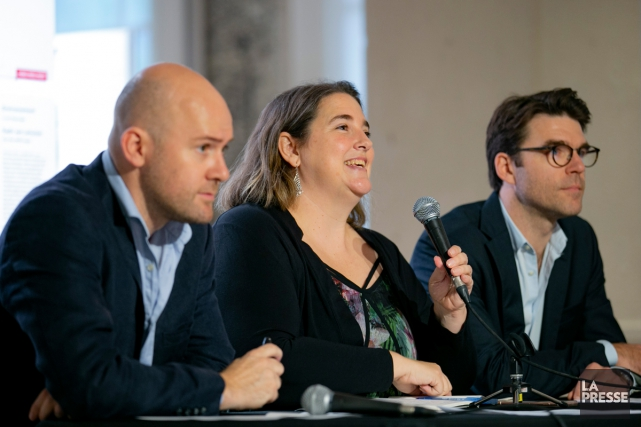 Les journalistes Guillaume Lavallée,Laura-Julie Perreault et Jean-Frédéric Légaré-Tremblay... (Photo David Boily, La Presse)