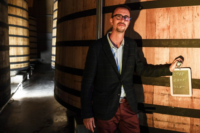 Bertrand De Nève, directeur de la nouvelle distillerie... (Photo AFP)