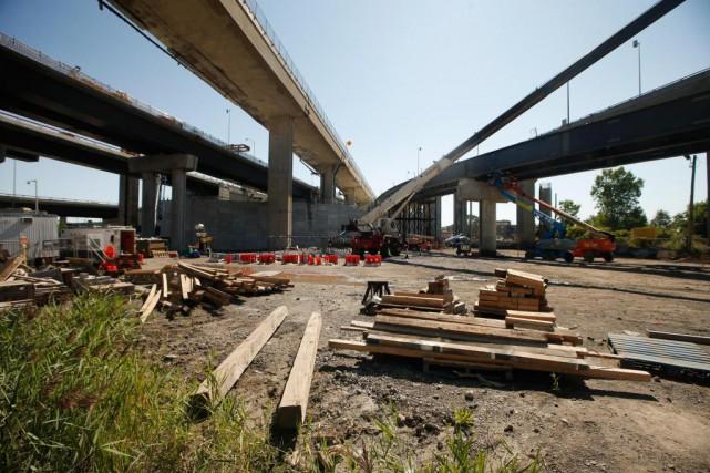 Des fermetures complètes d'autoroutes devraient provoquer des embouteillages... (Photo Martin Chamberland, Archives La Presse)