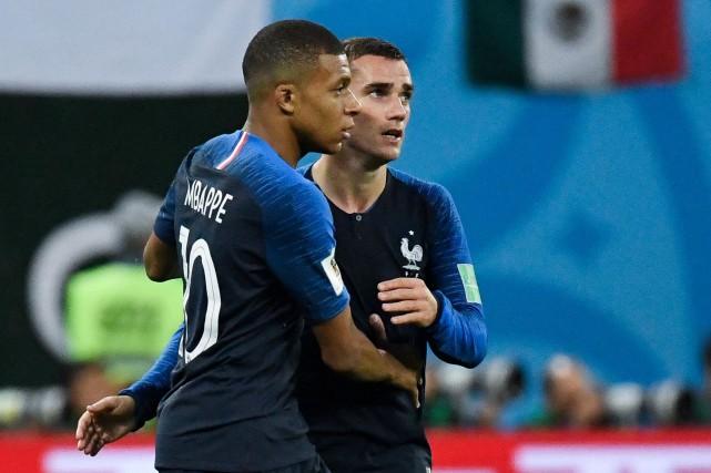 Kylian Mbappé et Antoine Griezmann... (Photo CHRISTOPHE SIMON, ARCHIVES AFP)