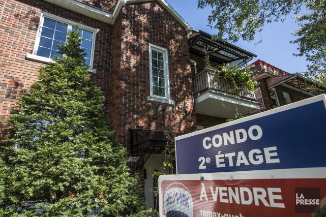 Le nombre d'habitations inscrites à la vente a... (Photo OLIVIER PONTBRIAND, ARCHIVES LA PRESSE)