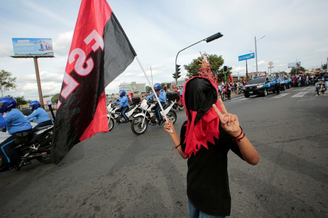 La marche baptisée «Pour la paix et la... (Photo Oswaldo Rivas, Reuters)