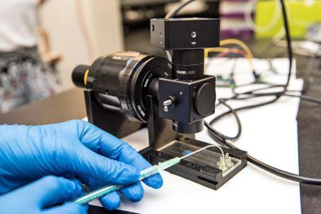 Le biocapteur FlowsensUM de l'équipe BiosensUM.... (Photo Amélie Philibert, fournie par l'Université de Montréal.)