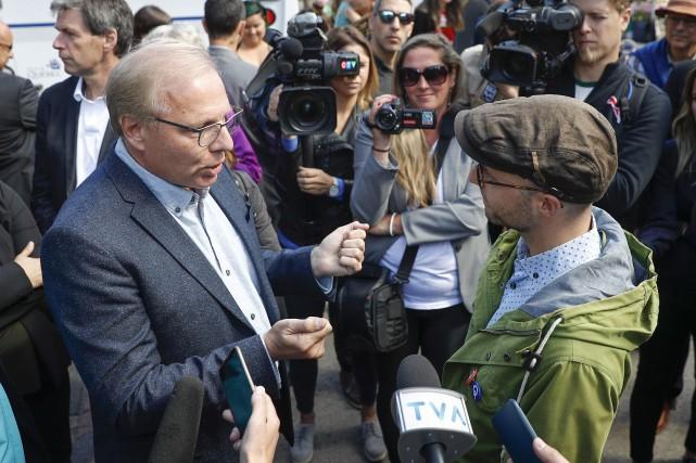 «Quoi qu'on fasse, M.Lisée, les gens qui s'opposent... (Photo Mathieu Bélanger, La Presse canadienne)