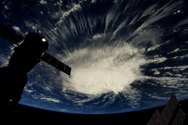 Une photo prise depuis laStation spatiale internationale montrela... (REUTERS)