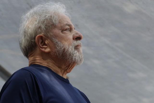 L'ancien président brésilien, Luiz Inacio Lula da Silva.... (PHOTO AP)