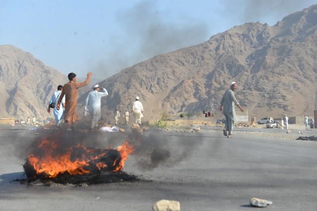 Selon un témoin de l'attaque, Zar Khan, interrogé... (AP)