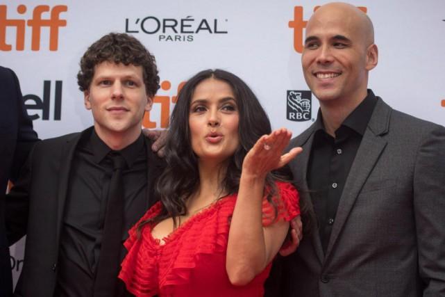 Les acteurs Jesse Eisenberg (à gauche) et Salma... (PHOTO Tijana Martin, La Presse canadienne)