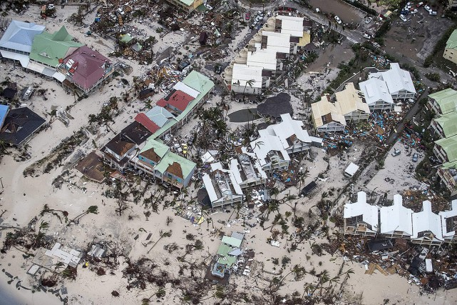Irma avait ravagé Sint Maarten, une île partagée... (Gerben VAN ES, DUTCH DEFENSE MINISTRY VIA ARCHIVES AFP)