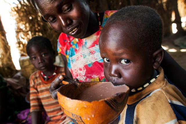 Selon l'ONU, 7 millions de Sud-Soudanais, soit plus... (Photo ALBERT GONZALEZ FARRAN, ARCHIVES AFP)