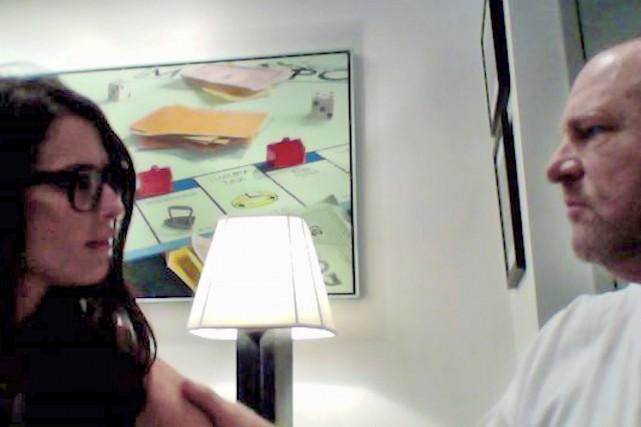 La vidéo montreHarvey Weinstein caressant l'épaule deMelissa Thompson... (photo Melissa Thompson, Sky News, via AP)