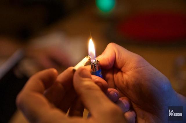 À un mois de la légalisation de la... (Photo André Pichette, archives La Presse)