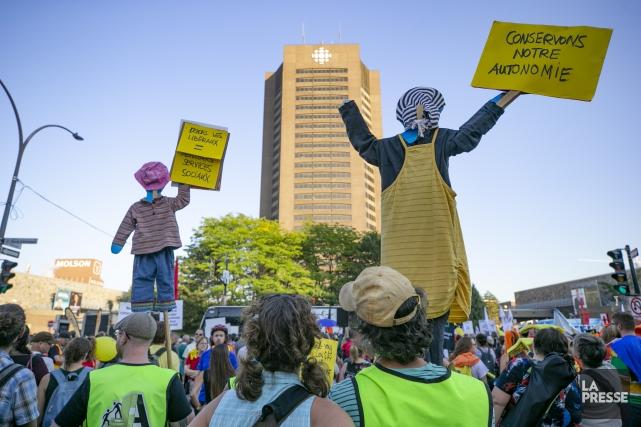 Les manifestants ont quitté les lieux vers 19h,... (PHOTO DAVID BOILY, LA PRESSE)