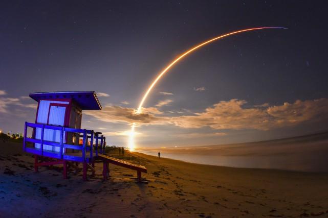 «SpaceX a signé avec le premier client privé... (photo Malcolm Denemark, Florida Today, via AP)