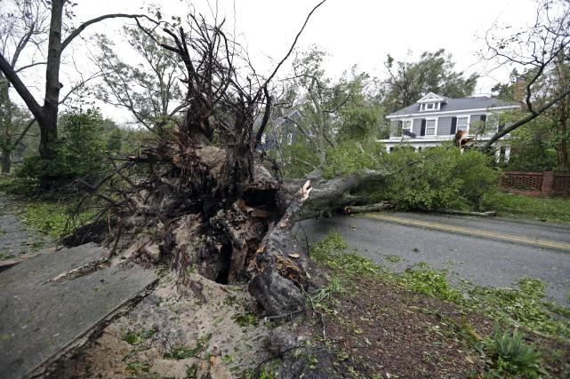 nouvel ordre mondial | Ouragan Florence: quatre morts et des dizaines d'Américains piégés