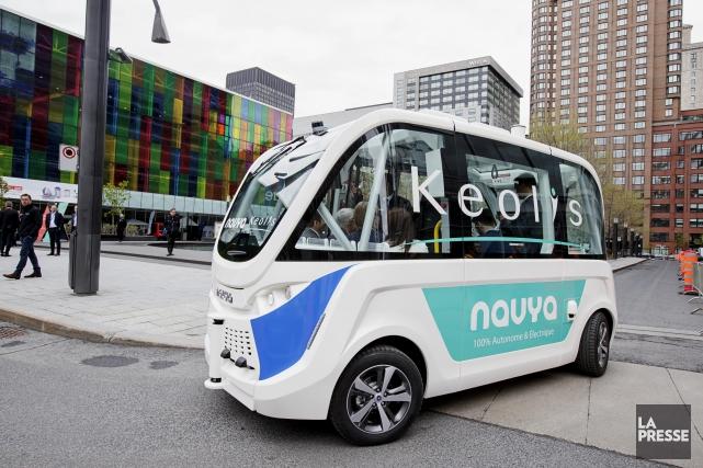 La navette autonome électrique, ce minibus sans chauffeur... (Photo Alain Roberge, La Presse)
