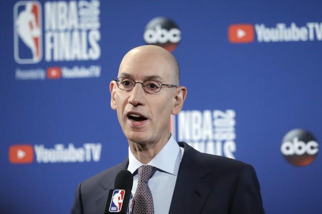 Adam Silver, le commissaire de la NBA.... (Photo Jeff Chiu, Archives AP)