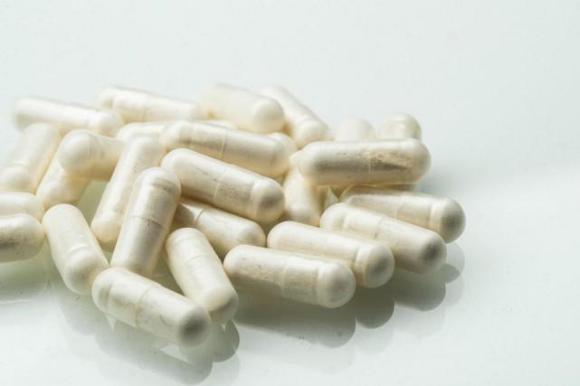 Une publicité vantant les mérites de pilules contenant... (Photo Hugo-Sébastien Aubert, La Presse)