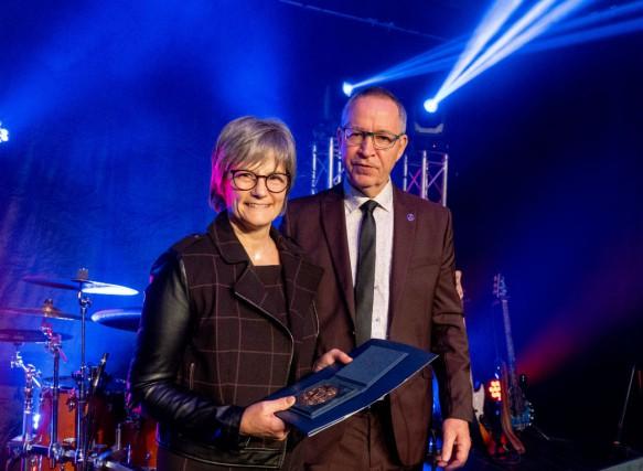 Nathalie Massé et Jean Taschereau, le président de... (Photo fournie par l'Ordre)