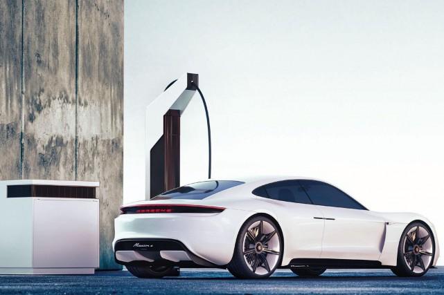 Lepit stop électrique de Porsche, une borne ultrapide... (photo porsche)