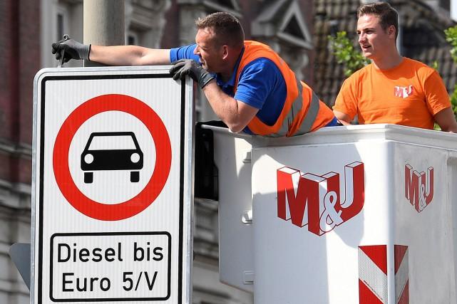 Une interdiction partielle de diesel était entrée en... (PHOTO REUTERS)