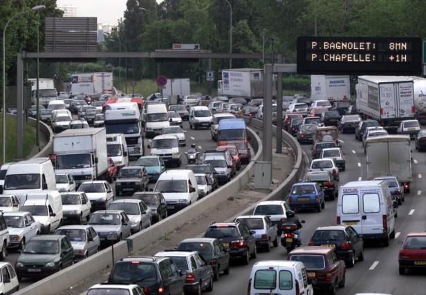 L'air de Paris compte parmi les plus pollués... (PHOTO ARCHIVES REUTERS)
