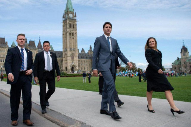 Le premier ministre Justin Trudeau et la ministre... (PHOTO JUSTIN TANG, LA PRESSE CANADIENNE)