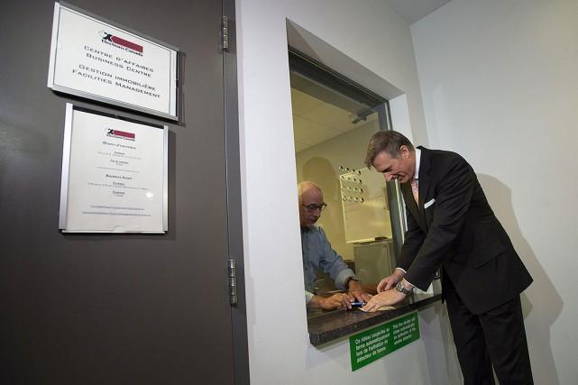 Maxime Bernier, aux bureaux d'Élections Canada, à Gatineau,... (Photo Adrian Wyld, PC)