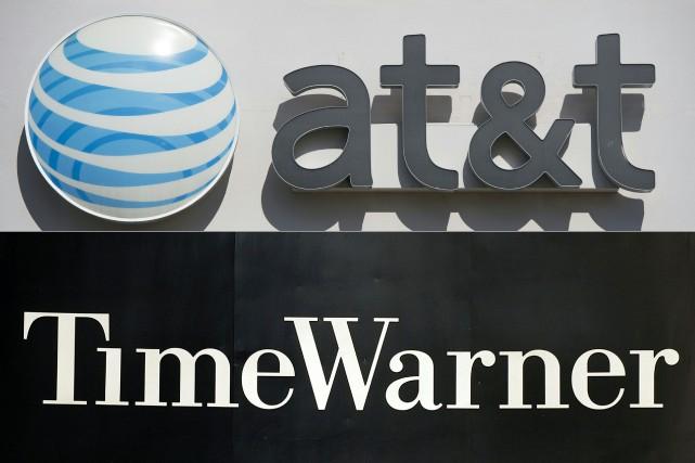 Le groupe WarnerMedia (ex-Time Warner), filiale du câblo-opérateur AT&T, va... (Photos SAUL LOEB et STAN HONDA, archives Agence France-Presse)