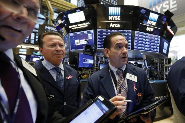 Donald Trump a une nouvelle fois vivement critiqué la banque centrale... (Photo Richard Drew, Associated Press)