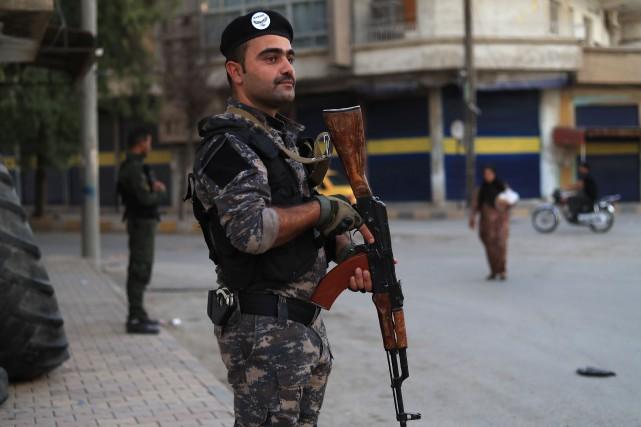 Les Forces démocratiques syriennes (FDS), dont les YPG... (Photo DELIL SOULEIMAN, archives AFP)