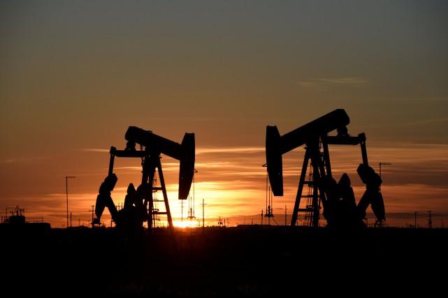 Les cours du pétrole s'étaient hissés la semaine... (Photo Nick Oxford, REUTERS)