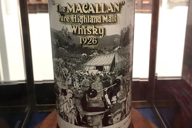 La bouteille de la la distillerie The Macallan... (PHOTO THOMAS URBAIN, AGENCE FRANCE-PRESSE)