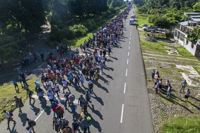 «Caravane» de migrants honduriens: Trump coupe l'aide à trois pays