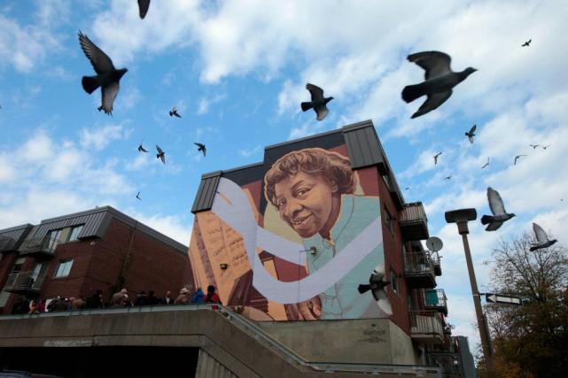 L'inauguration de l'oeuvre murale de la musicienne Daisy... (Photo Martin Chamberland, La Presse)