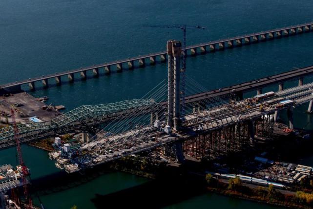 Le nouveau pont Champlain ouvrira avec plusieurs mois... (Photo Yves Tremblay, Photohelico.com, Collaboration spéciale)