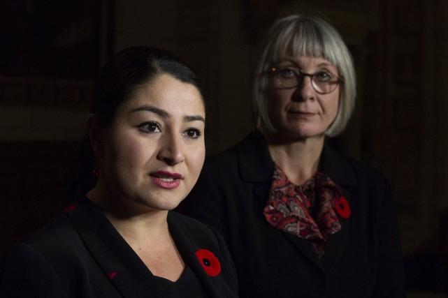 La loi obligerait les employeurs à établir un... (Photo AdrianWyld, La Presse canadienne)