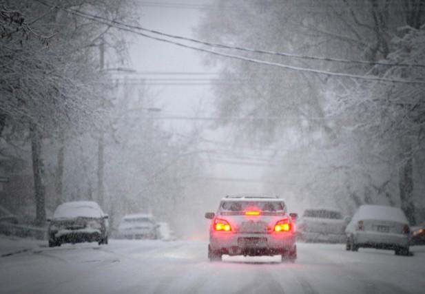 Au chapitre du freinage, la saison hivernale se... (Photo Bernard Brault, archives La Presse)