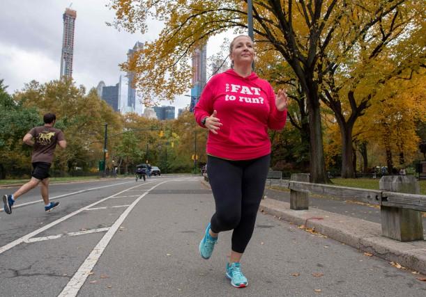 Julie Creffield court dans Central Park, le 2... (Photo DON EMMERT, Agence France-Presse)