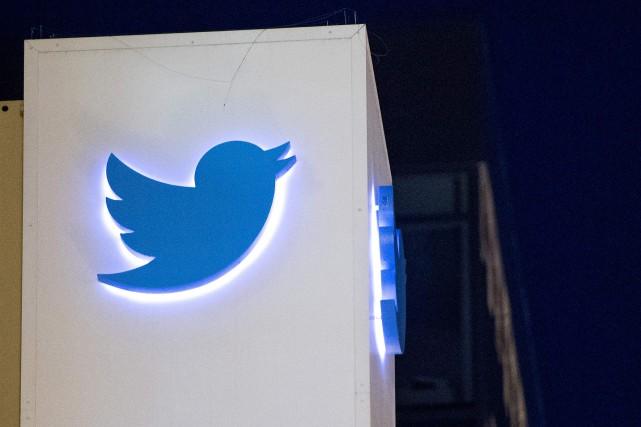 Twitter a indiqué avoir «supprimé des comptes qui... (Photo JOSH EDELSON, archives Agence France-Presse)