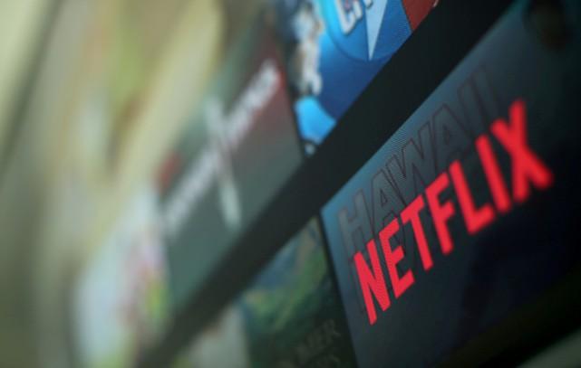 Netflix s'était engagé en septembre2017 à investir 500millions... (Photo Mike Blake, archives REUTERS)