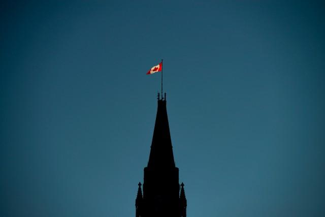 La liste d'attente pour obtenir l'un des drapeaux... (PHOTO ARCHIVES LA PRESSE CANADIENNE)