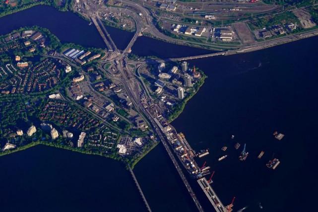 Le nouveau pont de l'île des Soeurs sera... (Photo BernardBrault, Archives La Presse)