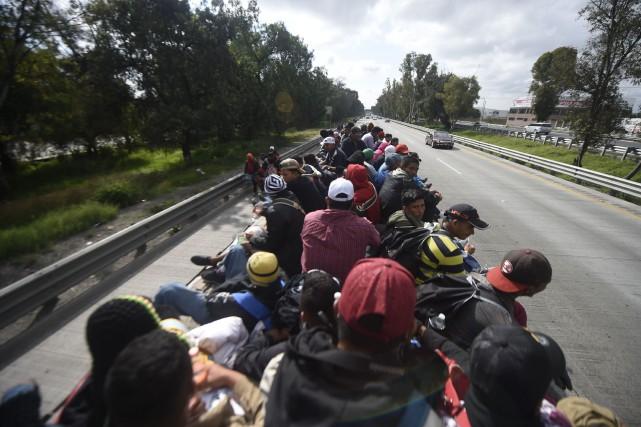 Des migrants de la «caravane» ont quitté Mexico... (Photo ALFREDO ESTRELLA, Agence France-Presse)