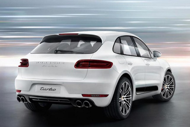 Porsche Macan Turbo 2015... (Photo fournie par Porsche)